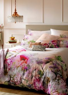 Ensure your bedroom is pretty in pink with this stunning Pure Peony duvet set by Ted Baker. Made from 100% cotton sateen and with a 220 thread count, this Ted Baker bed linen is luxuriously soft to touch. Feeling inspired? Shop the collection at Amara.