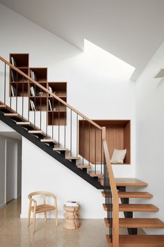 Location: Melbourne, Victoria, Australia - Kingsville Residence is a minimalist home located in Melbourne, Australia, designed by Richard King Design. Richard King Design were engaged to design and… Staircase Metal, Staircase Shelves, Wood Railing, Open Staircase, Staircase Makeover, Staircases, Home Stairs Design, Stair Design, Wood Design