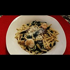 Garlic herb linguini with spinach, shrimp and mushrooms