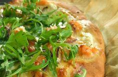 Pizza rústica de salmão fumado e rúcula - SAPO - Cabo Verde Online!