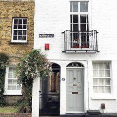 Church Street in Old Isleworthon the river Thames  #prettycitylondon #prettylittlelondon #londonpop #london4all #LDN4ALL_LondonStreets #shutup_london #thisislondon