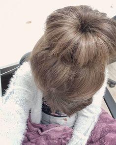 Creating the perfect bun* 🌸🌹 . . .  #atwork #fashionphotography #fashionblogger #fashion #beautiful #beauty #naturalbeauty #photoftheday #photographyeveryday #photography #photographer #photographylover #modeling #modelphotography #magazine #models #instagram #inlove #fallfashion #winterfashion #hairstyles #haircolor #brunette #makeup #travelphotography #travelblogger #traveling #cute #purple #profile Natural Beauty from BEAUT.E