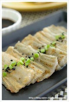Healthy Korean Recipes, Asian Recipes, Asian Foods, Korean Dishes, Korean Food, Food Design, Yummy Food, Tasty, Food Decoration
