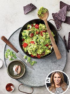 Jillian Michaels Shares Her Guacamole Recipe Healthy Chips, Healthy Snacks, Healthy Eating, Healthy Recipes, Biggest Loser Recipes, Gourmet Recipes, Cooking Recipes, Guacamole Recipe, Jillian Michaels
