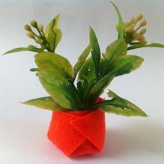 DIY Felt Vase