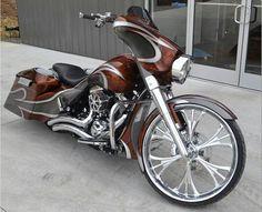 Sic!! Harley Davidson street glide