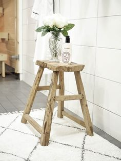 Home Spa / Old Chair / Balmuir