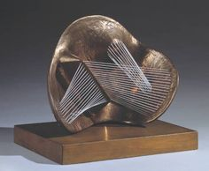 Stringed Figure by Henry Moore, 1938. Bronze and elastic string (Size: 273 x 343 x 197mm). Private collection. Image © The Henry Moore Foundation.