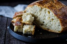 Meyer Lemon Rosemary Bread is an easy bread you can make in a Dutch oven at home. This fragrant bread smells so incredible and looks like it came from a bakery! Dutch Oven Bread, Rosemary Bread, No Knead Bread, Easy Bread, Irish Recipes, Bread Baking, Bread Recipes, Bakery, Lemon