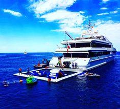Yasmine of the Sea ankert in Sa Calobra in Mallorca mit großer Badeplattform am Heck Port De Soller, Strand, Island, Sailing Yachts, Vacation Places