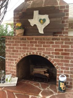 """Our state Seasonal Boards can be customized for schools! Check out our #Texas with a #Baylor """"BU"""" in the heart, right where Waco is! Sic 'Em, Bears! #seasonalboards   HomeGrown"""