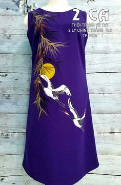Dress Painting, T Shirt Painting, Fabric Painting, Fabric Art, Fabric Paint Shirt, Paint Shirts, Hand Painted Sarees, Hand Painted Fabric, Embroidery Suits Punjabi
