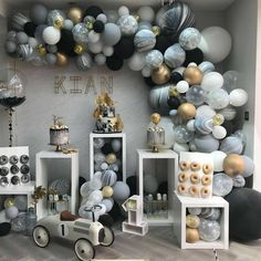 New birthday table balloons party planning ideas Deco Baby Shower, Baby Shower Backdrop, Shower Party, Baby Shower Parties, Baby Boy Shower, Baby Shower Desert Table, Boy Baby Showers, Boy Baby Shower Themes, Shower Games