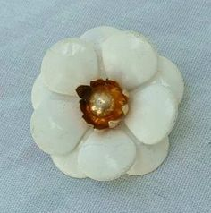 Sarah Coventry SNOW WHITE Small Flower Pin Brooch 1960s Vintage Jewelry