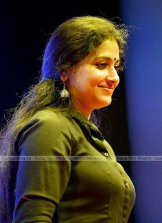 Anu Sithara is a well known Malayalam actress and a trained dancer. She is extremely beautiful and even considered as the face that is goi. Beautiful Girl Indian, Most Beautiful Indian Actress, Beautiful Actresses, Beautiful Saree, Beautiful Women, Indian Natural Beauty, Indian Beauty Saree, Beauty Full Girl, Beauty Women