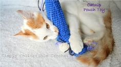 Here Kitty! Catnip Pouch Cat Toy Crochet Pattern - FREE Pattern from Simply Collectible Crochet. Crochet Cat Toys, Crochet Animals, Love Crochet, Crochet Things, Irish Crochet, Stuffed Toys Patterns, Pet Toys, Crochet Projects, Fur Babies