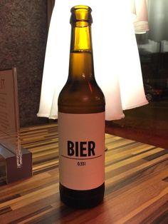 Geschmack braucht keinen Namen steht auf der Rückseite- well Bier ist doch auch schon mal was