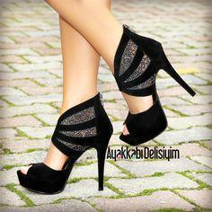 Zaina Süet Siyah İnce Topuklu Platform Ayakkabı
