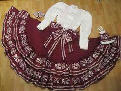 Quince Dama Dresses