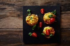 Try serving these amazing muffins at this year's Easter brunch. The salty cured ham and the piquant Castello White are a perfect match giving these muffins Brunch Dishes, Brunch Menu, Sunday Brunch, Savoury Dishes, Tasty Dishes, Breakfast Muffins, Breakfast Recipes, Pickled Pears, Wine Butter