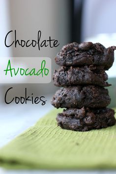 Recipes Avocado These chocolate avocado cookies are loaded with healthy fat, protein and fiber. By using coconut sugar, you don't have to worry about a sugar crash! Try this he dibujo recetas ensalada rellenos dessert recipes salad toast Healthy Cookie Recipes, Healthy Desserts, Delicious Desserts, Healthy Food, Coconut Sugar Recipes, Healthy Cookies For Kids, Avocado Dessert, Avocado Smoothie, Avocado Salad