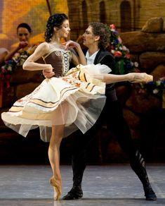 "Natalia Osipova and Ivan Vasiliev in ""Laurencia"" /Mikhailovsky Ballet / photo by Stas Levshin Ballet Images, Ballet Photos, Ballet Pictures, Ballerina Tutu, Ballerina Project, Ballet Costumes, Dance Costumes, Ballet Dance Photography, Paris Opera Ballet"