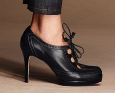 I had a pair of shoes that I bought at Ann Taylor in the nineties that were almost identical to this pair only they were navy. I guess everything comes back in style eventually! #shoes