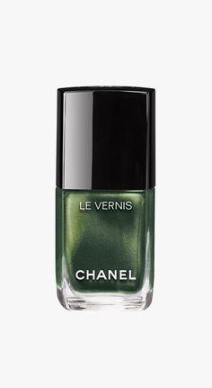 Chanel Le Vernis Nail Polish in Emeraude.