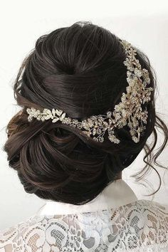 30 Bright Ideas For Fall Wedding Hairstyles ❤ Are you planning bright fall wedding celebration? Floral headpieces are kind of a musthave for styling wedding hair in the fall. See more: www.weddingforward.com/fall-wedding-hairstyles/