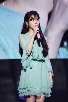 IU held her nationwide concert this year, and she appeared in most adorable outfits that made her look like a cute fairy from a children's storybook. Kpop Fashion, Star Fashion, Fashion Outfits, Idole, Korean Actresses, Korean Celebrities, Female Singers, Famous Women, Kpop Girls