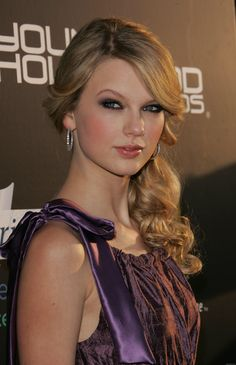 Enneagram Type 2, Personality Types, That Way, Taylor Swift, Psych, People, Hair, Joy, Glee