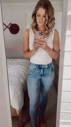 Bell Bottoms, Bell Bottom Jeans, Mom Jeans, Ford, Photo And Video, Instagram, Fashion, Moda, Fashion Styles