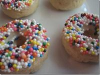 LOOK WHAT I FOUND! A vegan recipe blog. Just in time for 2012's New Year Resolution List. Baked Doughnuts. 78 calories/5 from fat. (ps- I just looked up an old fashioned cake doughnut at Dunkin: 320 Calories/200 from fat. Ouch.)