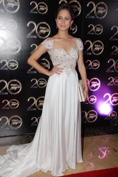Jessy Mendiola in white, at the Star Magic Ball. Photo by Nimfa Chua for ABS-CBNnews.com.