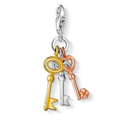 Charm pendant Keys with lobster clasp 925 Sterling silver; 18K yellow and rosé gold plated Never before has looking for keys been this much fun! As of now, these three examples sparkle in silver and in rose and yellow gold plating. A tri-colour Charm with special good fortune appeal! Size: 2.2 cm