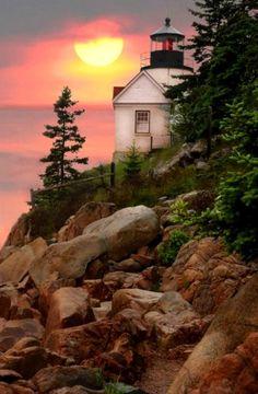 Faro bajo del puerto, el Parque Nacional de Arcadia, Maine.