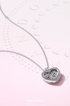 Pandora Jewelry OFF! Gift your BFF with this sweet Pandora floating locket you can customize with beautiful petites. Hand-finished in sterling silver it's the perfect way to have a heart-to-heart with someone you love. Pandora Floating Locket, Pandora Jewelry Box, Pandora Necklace, Heart Locket Necklace, Simple Necklace, Pandora Bracelets, Silver Pendant Necklace, Silver Necklaces, Necklace Chain