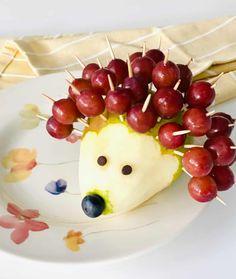 How to Make a Grape Hedgehog Easy Food Art, Food Art For Kids, Craft Kids, Fruit Animals, Animal Food, Healthy Fruit Snacks, Blueberry Chocolate, Apple Fruit, Caramel Recipes