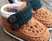 Fall Cairo crochet baby boots.