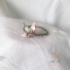 Ring mit rosa Blattdekor  Geschenksidee Unique Rings, Best Gifts, Brooch, Silver, Crafts, Jewelry, Pink, Ring, Gifts