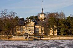 Pääministerin virka-asunto Kesäranta Meilahti Helsinki My neighbour in Meilahti…