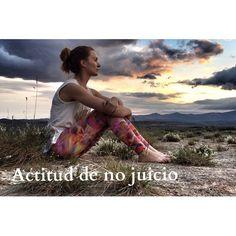 """NUEVO POST Ya tenéis en mi blog, Diario de una yogui 2.0 , lo que para mi quiere decir """"actitud de no juicio"""". Algo que nos ayudará mucho en nuestras practicas de yoga y en la vida cotidiana.  En mi perfil @blanca_bz tenéis un enlace directo, o también en la web de @womenshealthesp . Espero que os guste y muchas gracias por estar ahí!! Que disfrutéis del lunes!"""