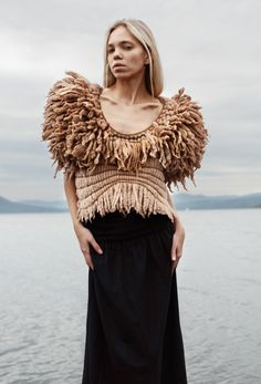 compact chunky fringing and laying in