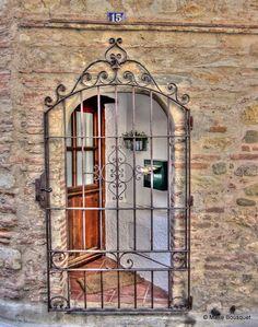 porte d 39 entr e exterieur en fer forg facade pinterest porte en fer forg portes et fer forg. Black Bedroom Furniture Sets. Home Design Ideas