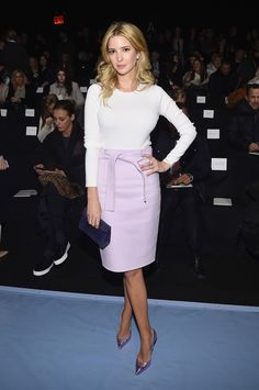 New York Fashion Week Front Row: Carolina Herrera. Ivanka Trump opted for pastels paired with a metallic pair of blush colored pumps. Ivanka Trump Photos, Ivanka Trump Style, Ivanka Trump Dress, Carolina Herrera, Donald Trump, Work Fashion, Fashion Outfits, Fashion Trends, New Yorker Mode