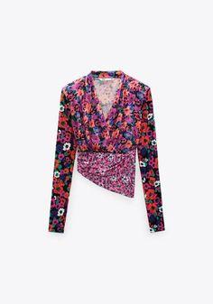 zara printred shoulder pad tops - Google Search Zara United States, Shoulder Pads, Taupe, Camisole, Neckline, Blazer, Zip, Tees, Long Sleeve