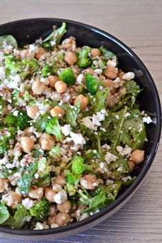 Quinoa Broccoli Salad with Spinach and Feta | mountainmamacooks...
