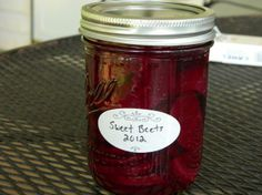 A wonderful combination of sweet and sour, you won't be sorry if you try this recipe! This recipe can also be made using about larger beets. Canned Pickled Beets, Canning Beets, Pickled Beets Recipe, Beet Recipes, Canning Recipes, Smoothie Recipes, Healthy Recipes, Fresh Beets