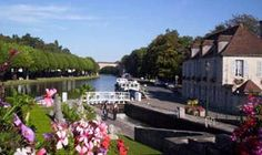 Rent a houseboat in the Loire-Valley as your very own floating hotel! Known for its superb vintages and gourmet cuisine, the valley entices wine lovers and foodies from all over the world!  http://www.leboat.com/vacations/destinations/france/loire-valley