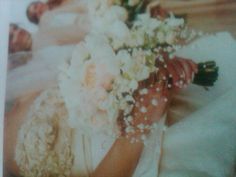 Bride's bouquet pearl netting inspiration